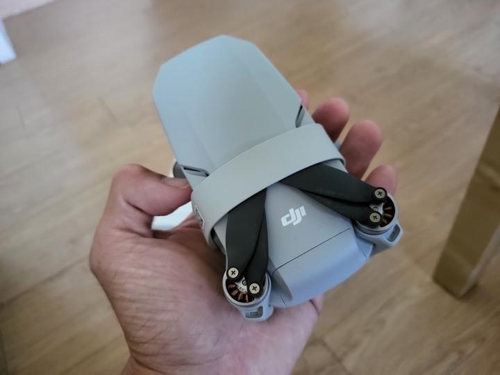 售99%近全新的DJI Mini 2 暢飛套裝組, 台灣公司貨, 直購14999