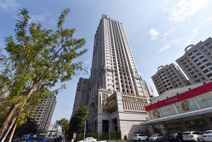 左營高鐵指標豪宅-達麗宮廷超高樓