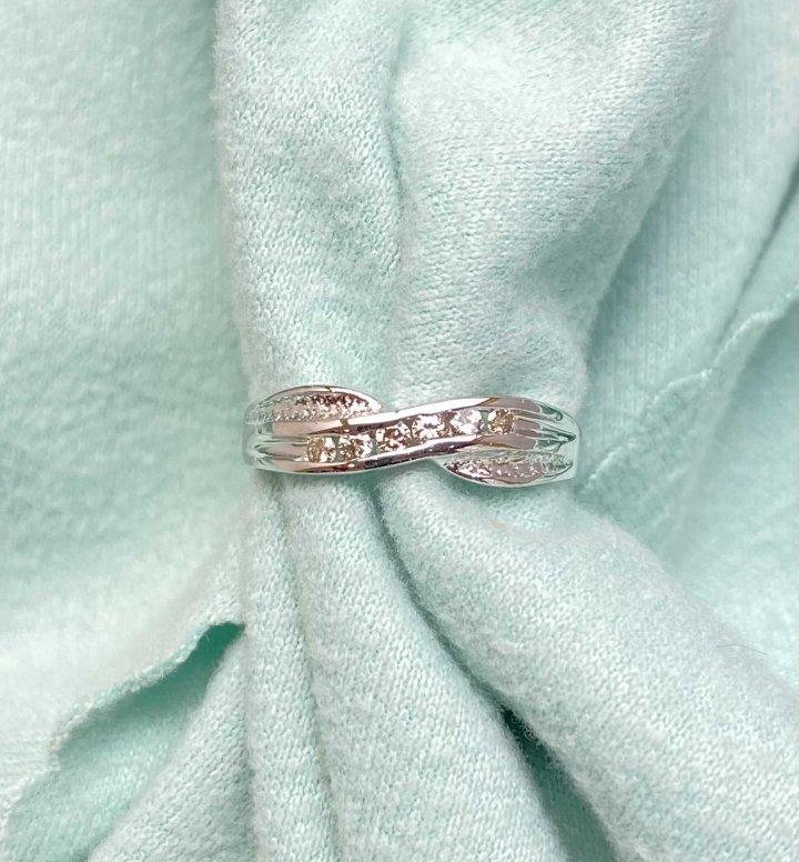K金鑽石戒指