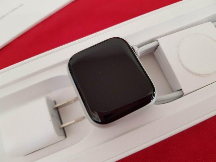 ※聯翔通訊 Apple Watch S5 44mm 鋁金屬 台灣原廠保固2021/3/17 原廠盒裝 ※換機優先