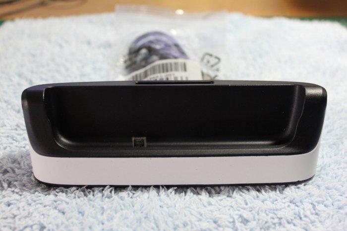 BlackBerry Q10 黑莓機,電池+座充雙組合套件