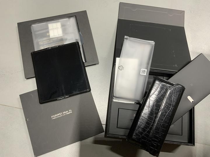 華為 HUAWEI Mate Xs 5G 摺疊手機