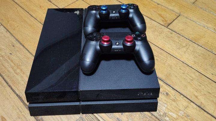 PS4  1007 系統5.05 雙手把 雙手把座充