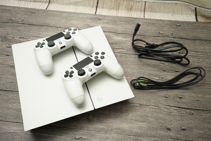 SONY PlayStation 4 (PS4) CUH-1207A 500G 雙手把