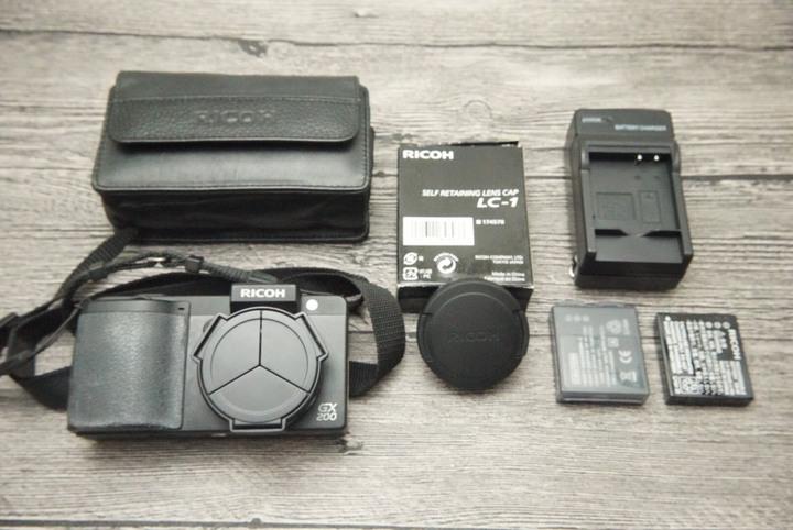Ricoh GX200 單機身 螢幕有保護貼