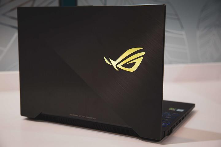 ASUS華碩 ROG Strix SCAR II GL504GW 15吋電競筆電 (i7/RTX2070/32GB)