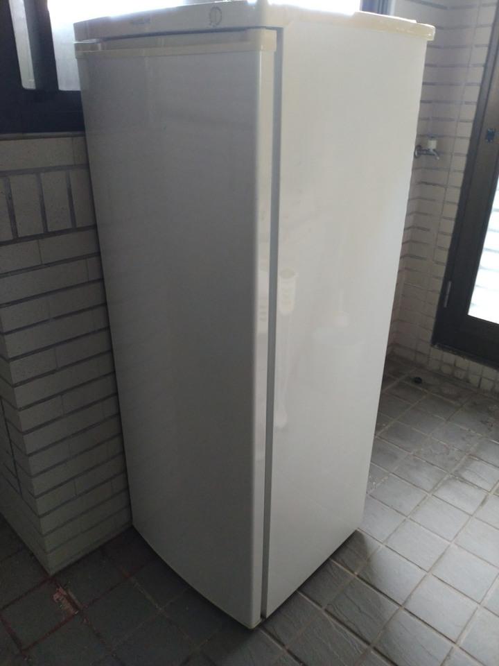 Frigidaire 185L FFU07M1HW立式 超節能冷凍櫃