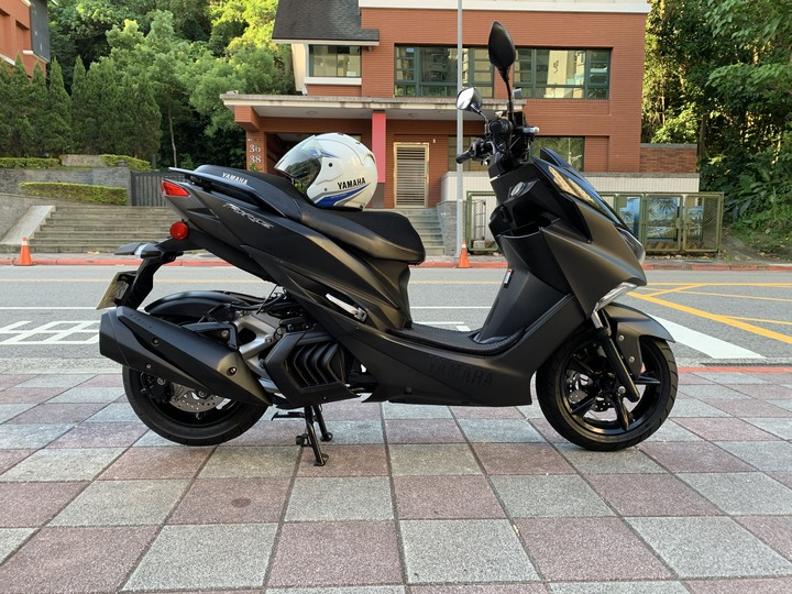 (自售) yamaha force 消光黑