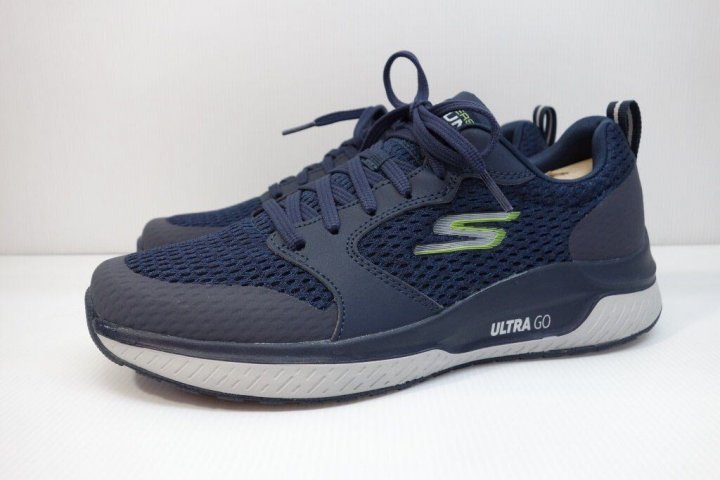 全新 SKECHERS GO RUN STEADY