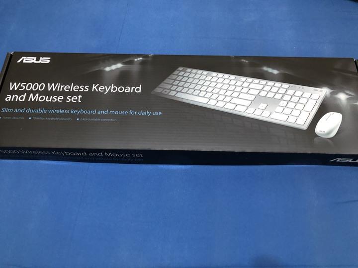 ASUS W5000 輕薄無線鍵盤滑鼠組 (銀白色)