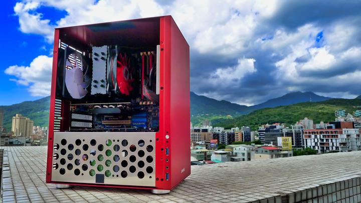 Win10 Pro i7-3770 支援M.2 SSD開機 M.2 SSD 256G GT730 2G HDD 1TB 全新機殼