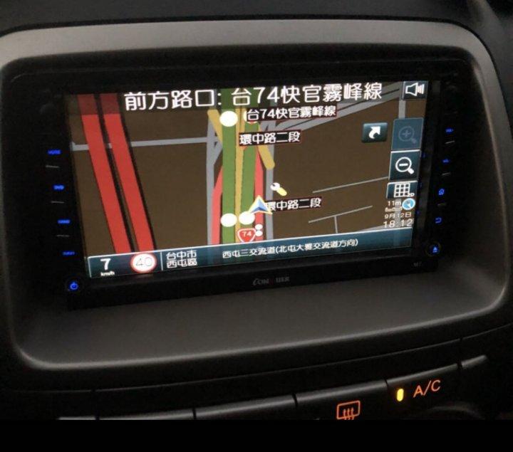 中古6.6吋觸控螢幕,DVD播放,數位電視,SD卡,USB播放mp3,藍芽,支援倒車顯影功能