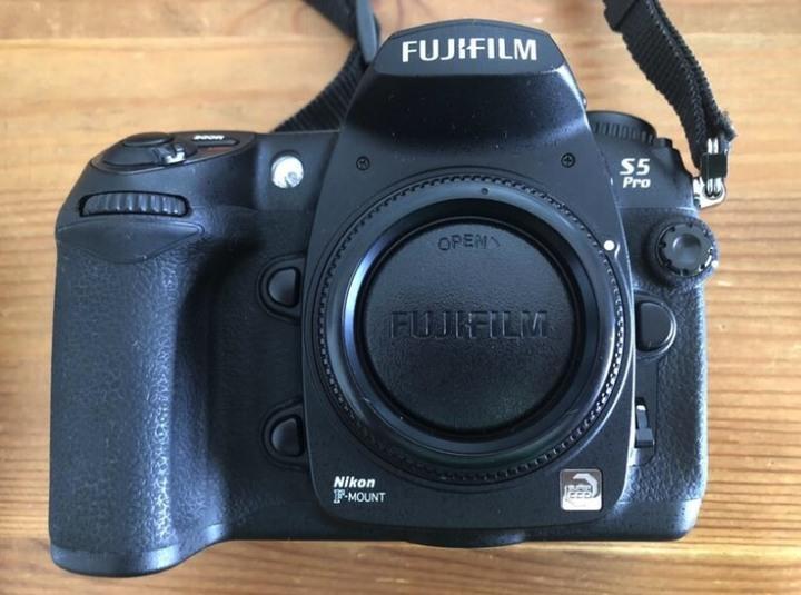 Fujifilm S5pro + N1755 + MB-D200
