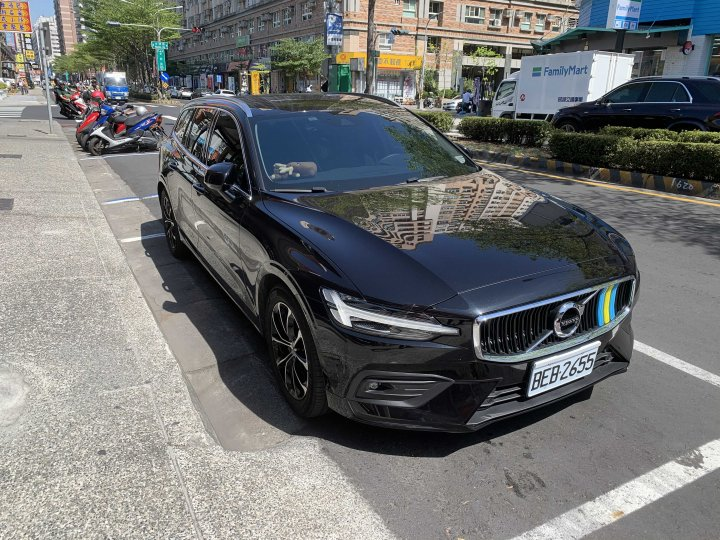 自售 2020 Volvo v60