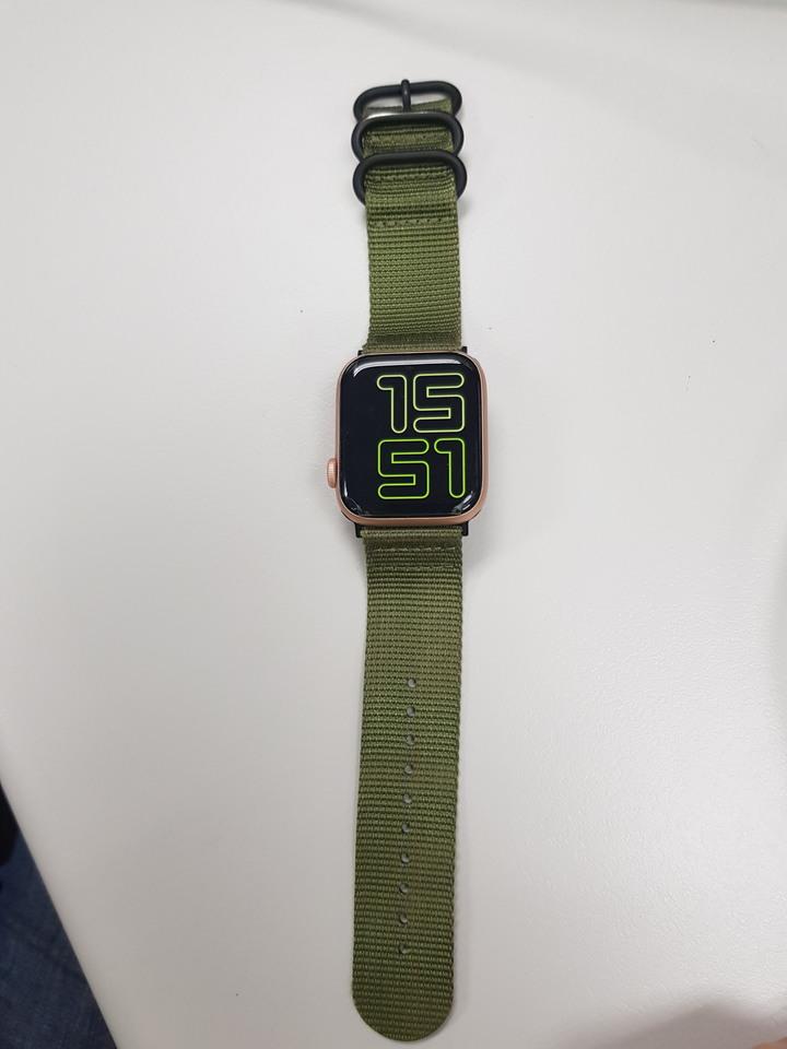 香港版 金色 Apple Watch S4 LTE 版本 44mm 可開啟 ECG 心電圖 功能