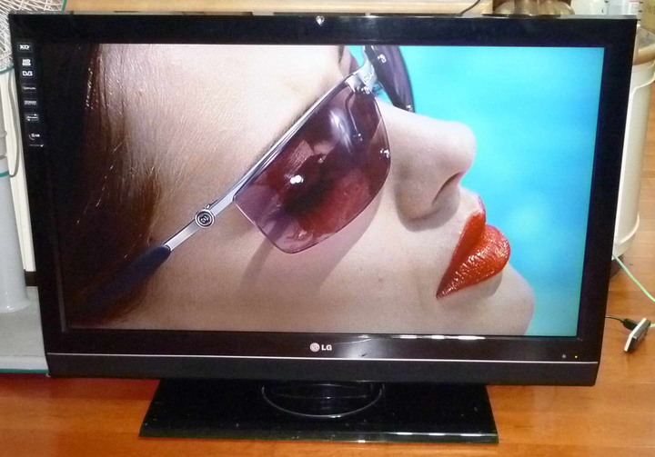 LG、42型熱銷機種,今日破盤特惠一台錯過不再HDMI、遙控器、九成新、特價 $4800