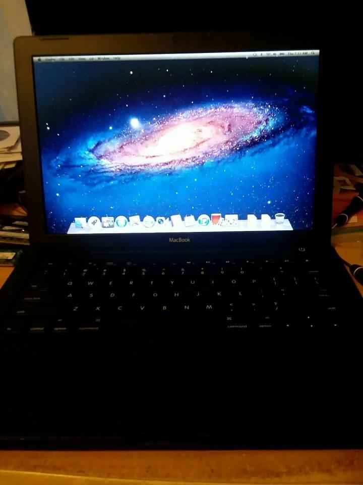 Apple MacBook 13.3吋 C2D 頂級黑色  絕版品 超便宜