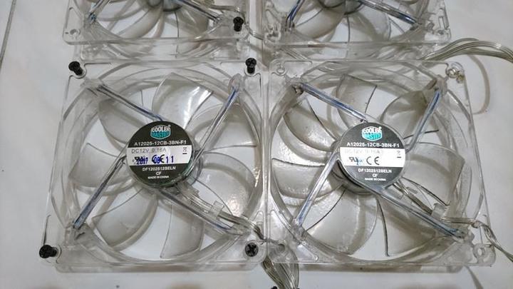 酷媽 12 吋散熱風扇/機殼風扇藍色LED風扇(A12025-12CB-3BN-F1