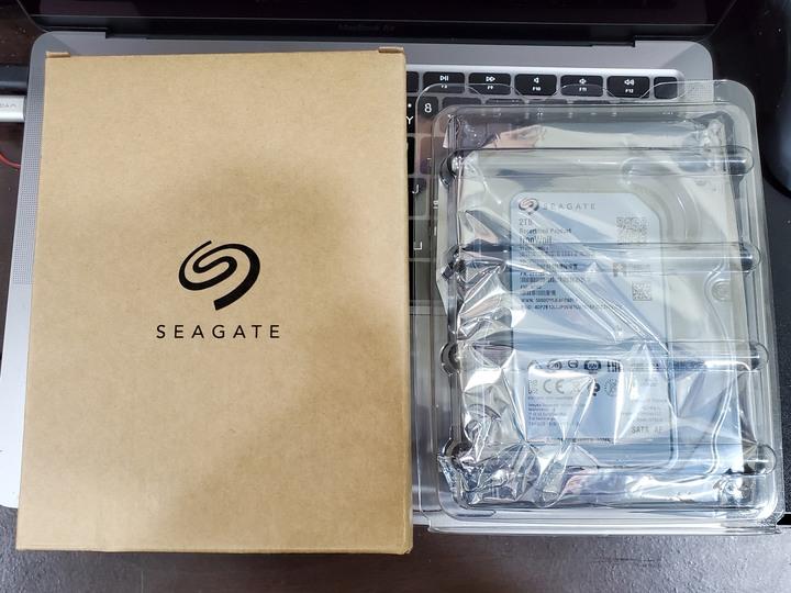 【Seagate IronWolf】那嘶狼 2TB 3.5吋NAS硬碟 (ST2000VN004) 更換品
