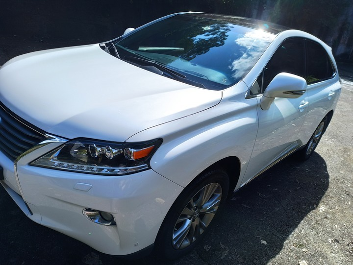 Lexus RX450h 2013年式 頂級版 珍珠白 米內裝 已更換原廠大電池 自售