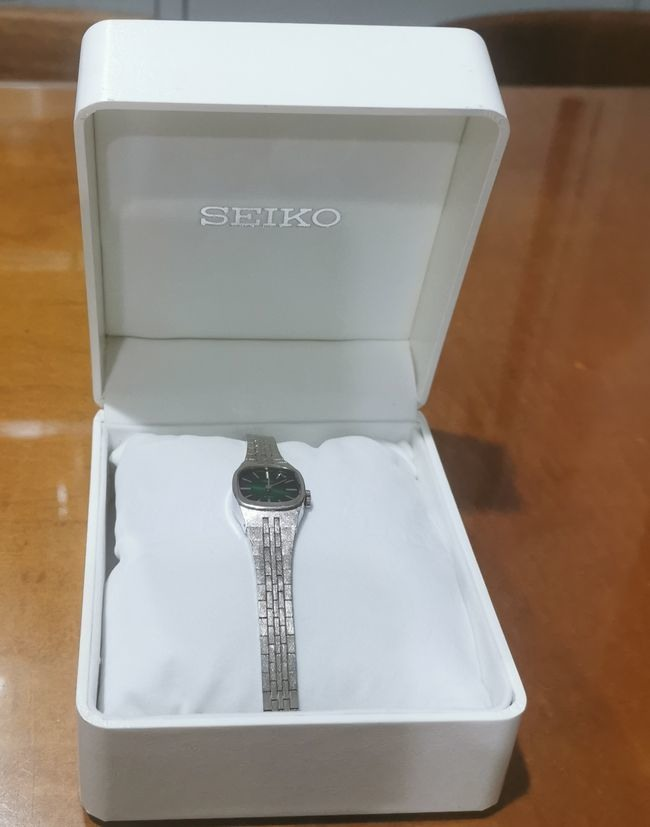 SEIKO女用機械(手上鏈)手錶
