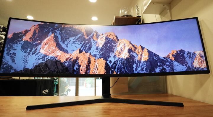 今年2月購買 Samsung 三星49吋 曲面顯示器 C49J890DKE