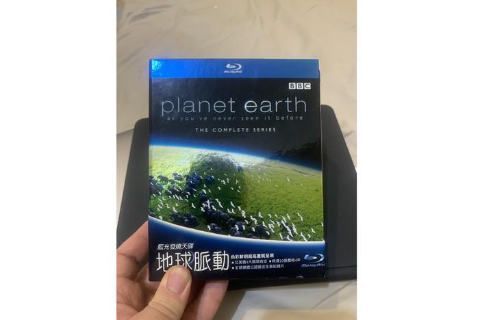 藍光紀錄片 BBC 地球脈動 planet earth 藍光發燒天碟 四碟裝 全套 550 分鐘 得利台版