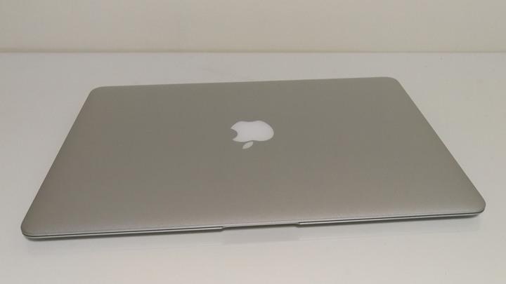 二手過保良品 2015 MACBOOK AIR 13吋 128G 貼膜 九成新 包裝都在