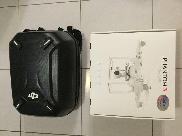DJI Phantom 3 Advanced + 原廠背包