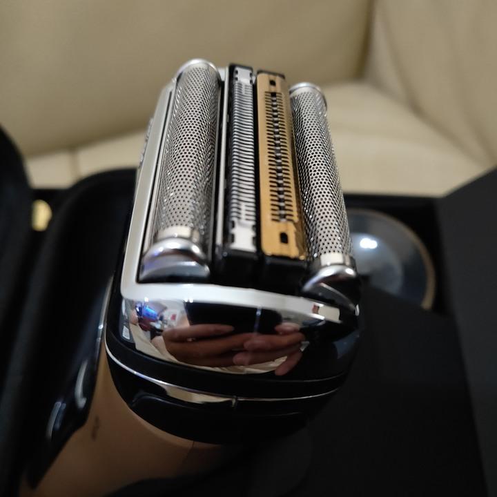 Braun 徳國百靈 電動刮鬍刀 9299S Gold 榮耀金 金色