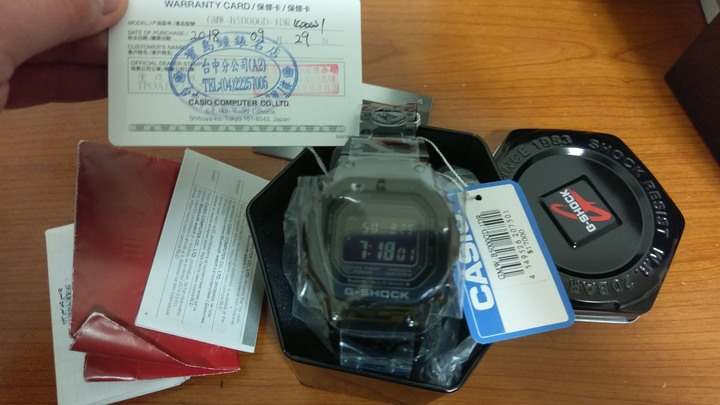Casio g-shock gmw-b5000gd-1dr(全金屬殼鍊黑色)