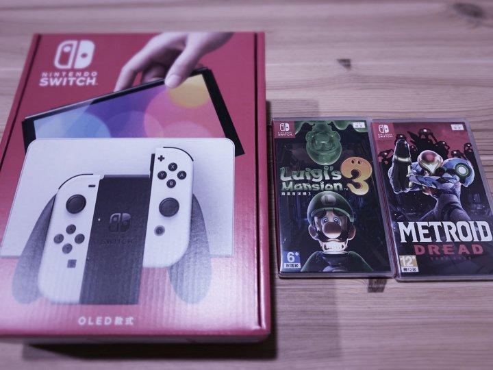Nintendo switch OLED白色+ 密特羅德生存恐懼+路易吉鬼屋3