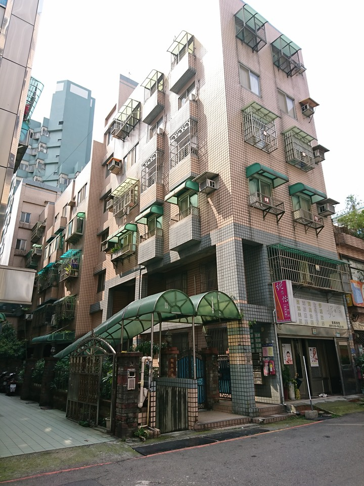 ◆陶園梅景大公寓鄰中平商圈、近中山國小、低總價