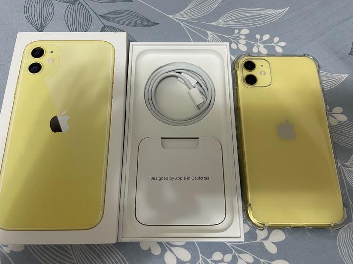 (售或換) 保固至2022年9月底的 iphone 11 64G