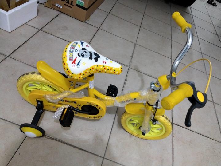 小童腳踏車含輔助輪