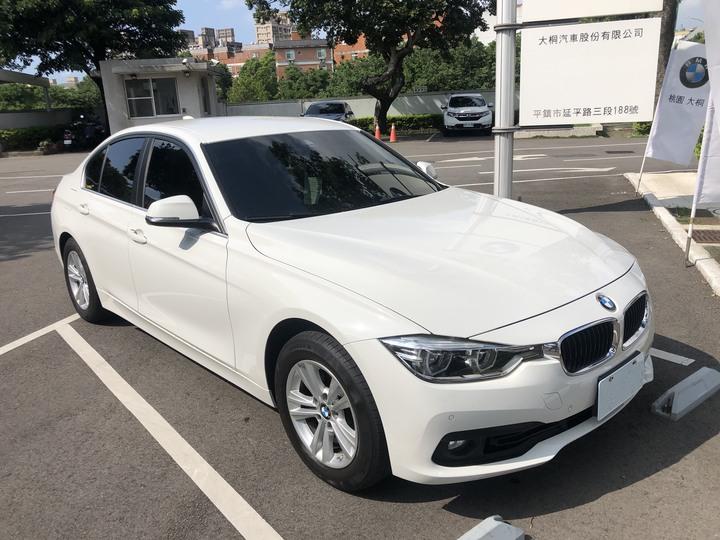 BMW F30 318i 汽油版 總代理汎德  車主自售,保固內