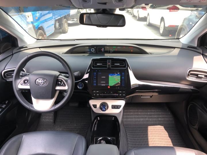 2018 Toyota Prius Hybrid 1.8少開僅跑18000,原廠保固中歡迎約看車試車