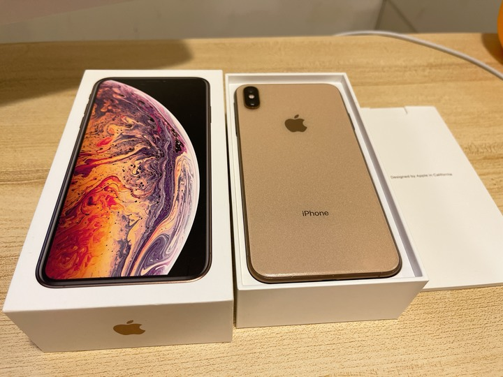 iPhone XS Max 256G金色 9成新