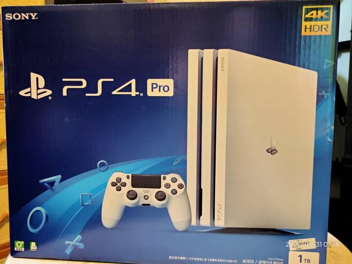 白色 PS4 PRO 1T 送4塊遊戲