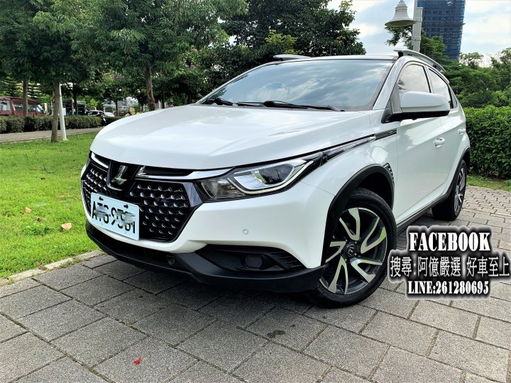 (實價刊登) 2017 U5  AR環景版低里程 頭款3500交車 FB搜尋:阿億嚴選 好車至上