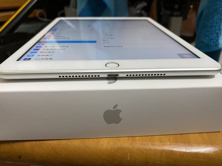 【9成新】iPad 2017 (5th) 128G 銀色
