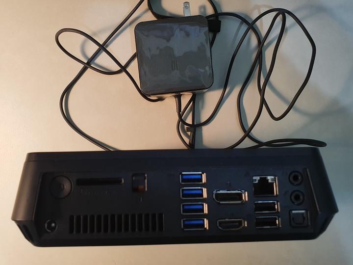 Asus 迷你PC VC62B(規格 i5/8G+雙硬碟+有線鍵盤)如新