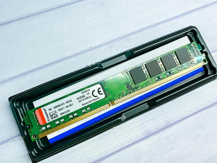 金士頓 DDR3 1600 8G KVR16N11/8 1.5V  雙面窄版*4