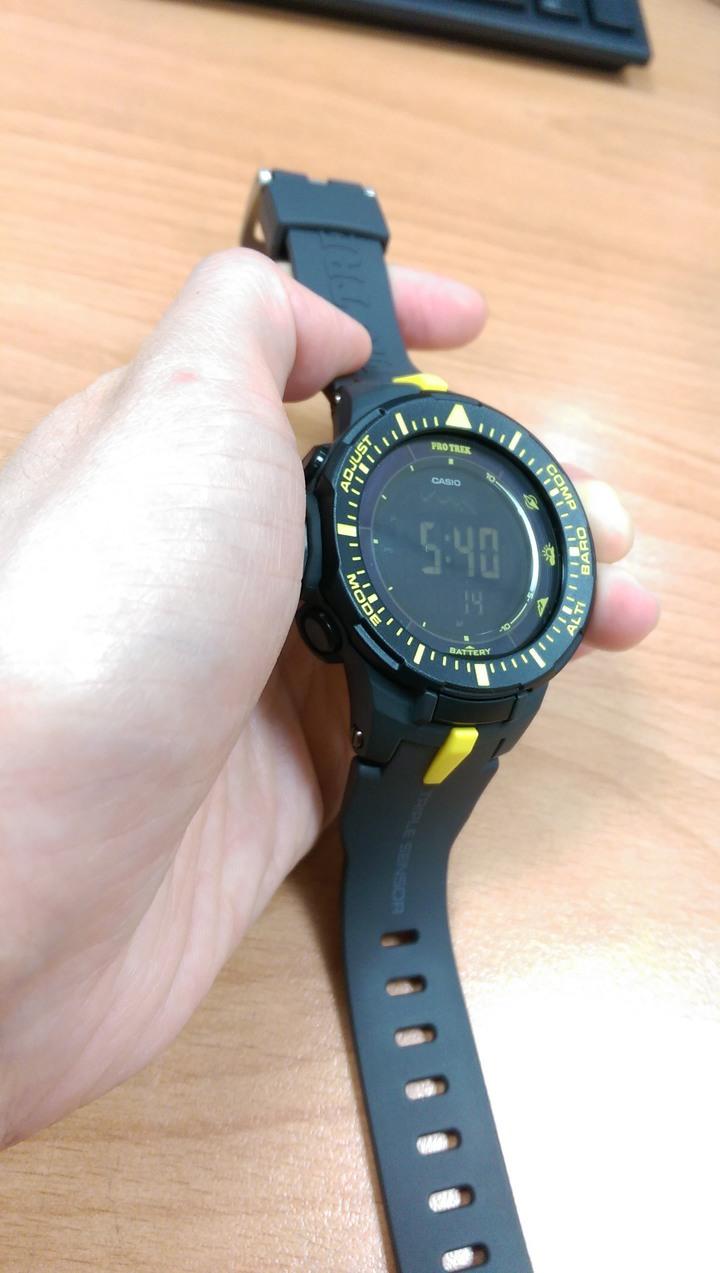 全新卡西歐登山錶