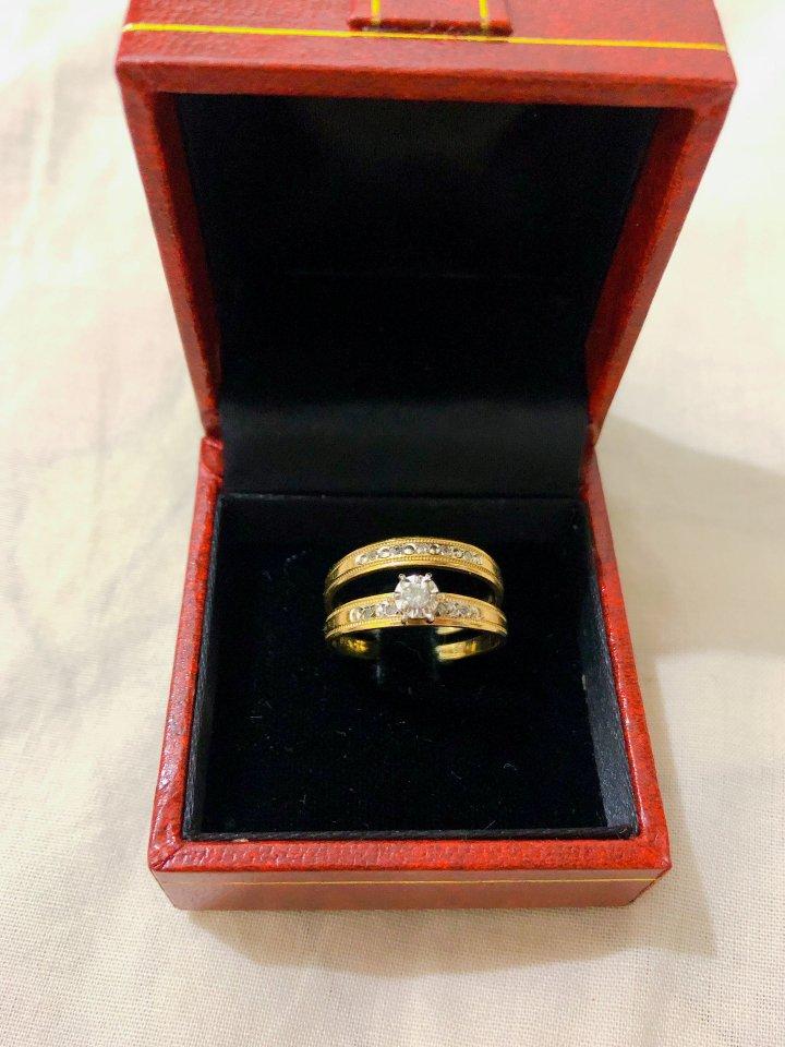 天然鑽石k金套戒(免運費出清)