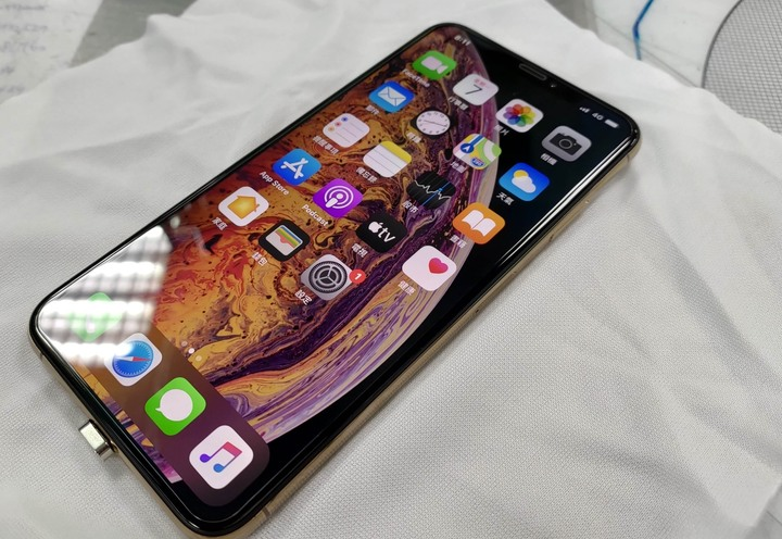 APPLE I Phone XS Max 64g 6.5吋 玫瑰金 台灣公司貨 品相如新!