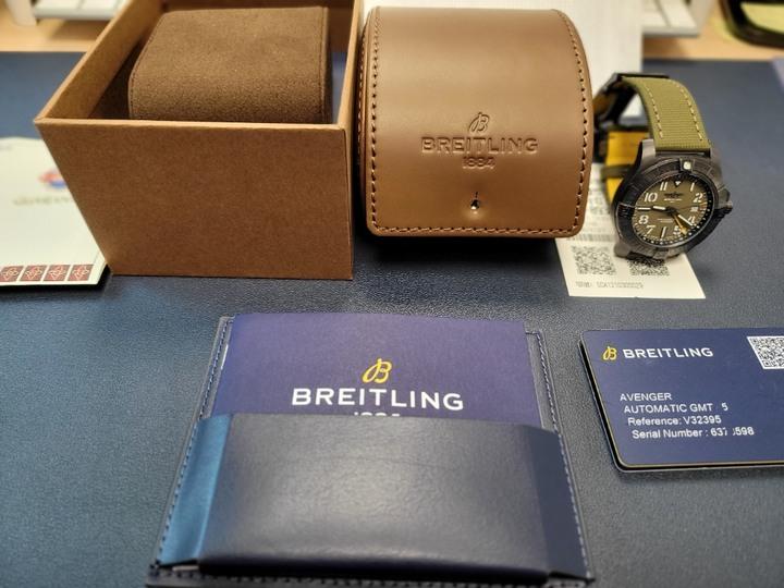 百年靈 Breitling Avenger Automatic GMT 45 Night Mission [台灣公司貨]百年靈 Breitling Avenger Automatic GMT 45