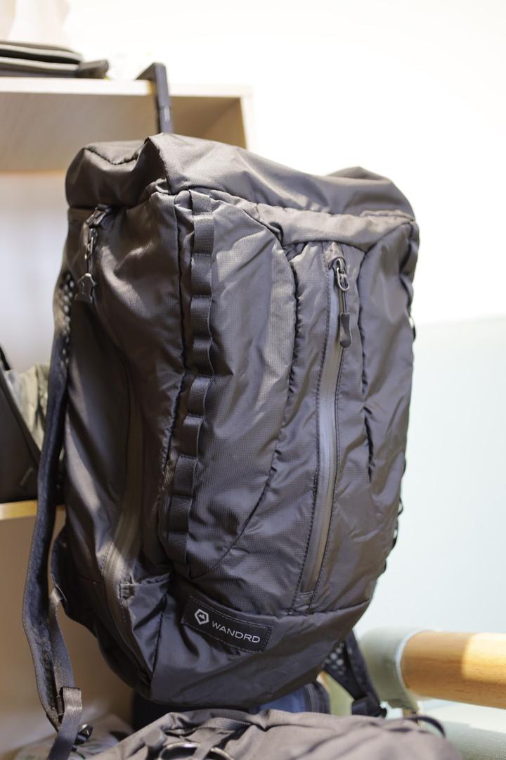 近全新 WANDRD VERR 18L 收納式 後背包 相機包 充氣式背板