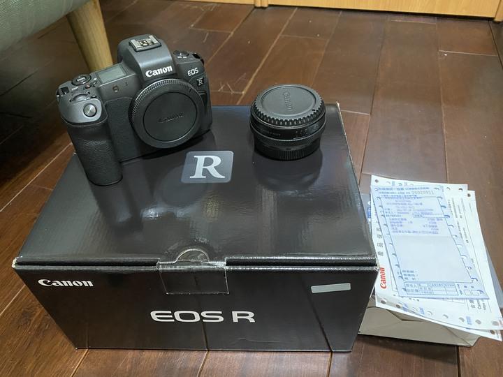 今年7月20日才買的公司貨 canon eos R 加 控制環轉接環