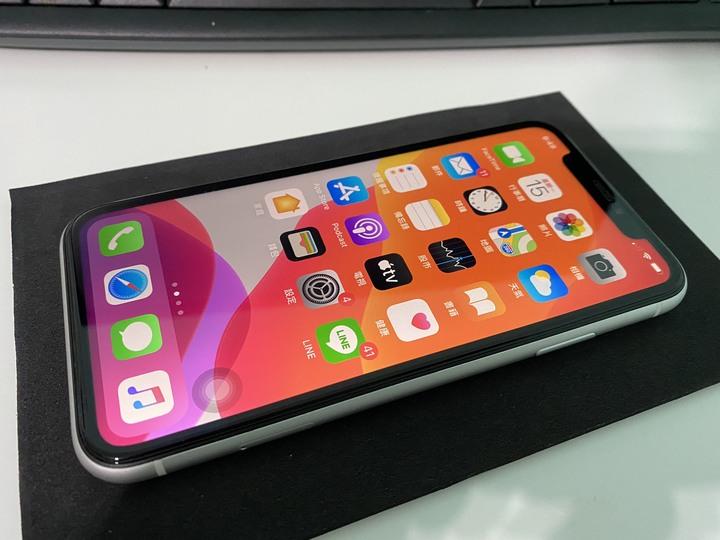 iphone xr 64G (換iphone se 128G 2020)